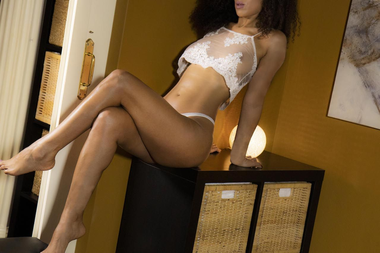 MASSAGE EROTIQUE SALMA
